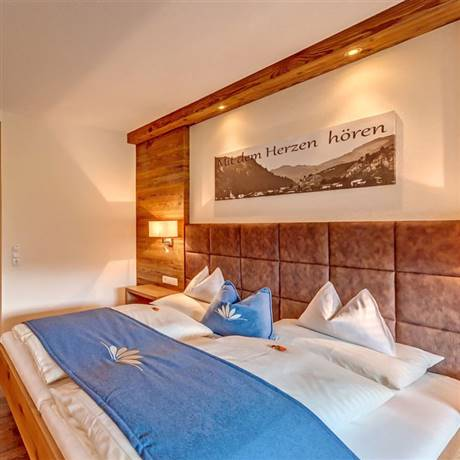 360 degree view of the sleeping area in the Comfort Double Room Kaiserblick zum See